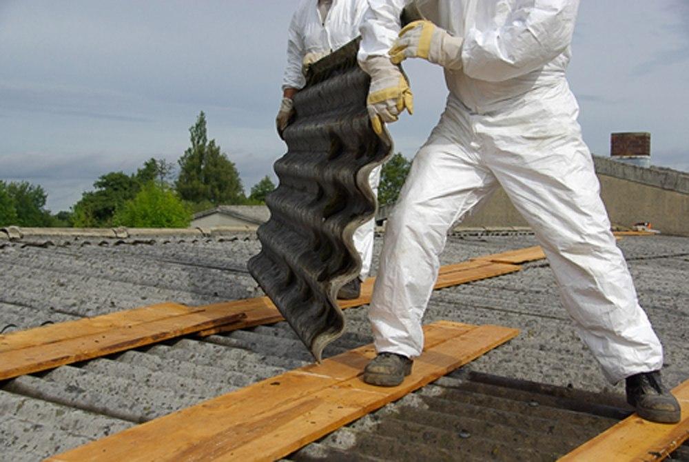 Gesundheitsschädliche Baustoffe müssen entfernt werden.