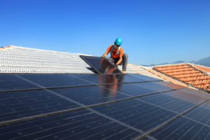 Eine Photovoltaikanlage eignet sich besonders für Dächer mit bestimmter Neigung
