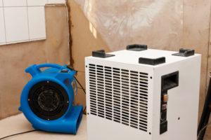 Geräte für die Trocknung der Wände in Gebäuden