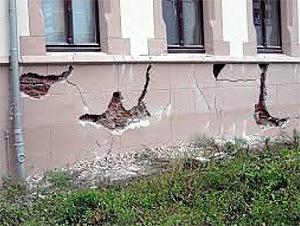 Feuchtigkeit schädigt das Mauerwerk