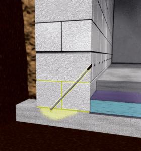 Durch Injektionskanäle wird ein Injektionsharz in die Boden-/Wandfuge gepresst